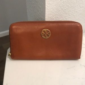 Tory Burch, brown leather wallet.
